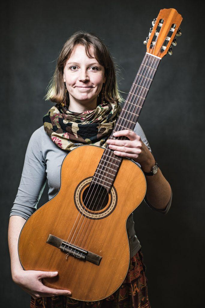 foto-zdjęcie-irina-szalapak-doremisie-gitara